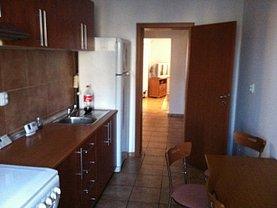 Apartament de închiriat 4 camere, în Craiova, zona Ultracentral