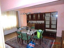Apartament de vânzare 4 camere, în Caransebes, zona Sud
