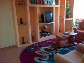Apartament de vânzare 4 camere, în Hunedoara, zona Micro 4