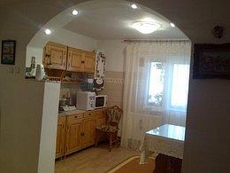Apartament de vânzare, 3 camere, în Craiova, zona Rovine