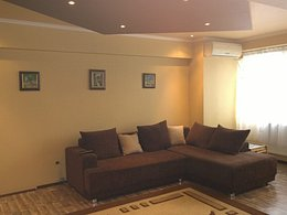 Apartament de vânzare, 4 camere, în Oradea, zona Rogerius