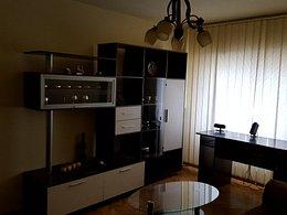 Apartament de închiriat 3 camere, în Buzau, zona Unirii Sud