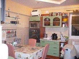 Apartament de vânzare 4 camere, în Satu Mare, zona Micro 17