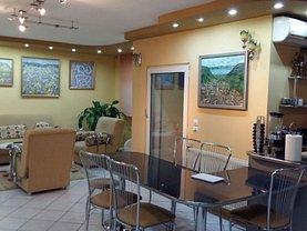 Apartament de vânzare 3 camere, în Resita, zona Centrul Civic