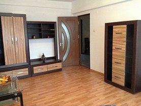 Apartament de vânzare 3 camere, în Caracal, zona Central