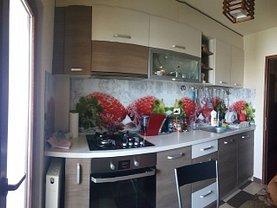 Apartament de vânzare 3 camere, în Mioveni, zona Central