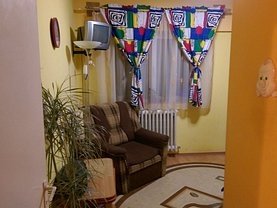 Apartament de vânzare 3 camere, în Targu Secuiesc, zona Central