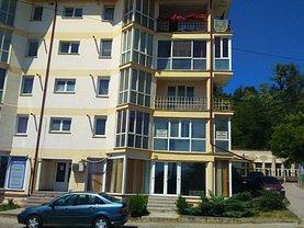 Apartament de închiriat 3 camere, în Piatra-Neamt, zona Calea Romanului