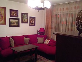 Apartament de vânzare 3 camere, în Onesti, zona Nord-Est
