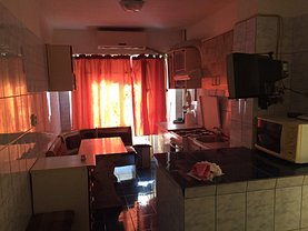 Apartament de vânzare 3 camere, în Mangalia, zona Ultracentral