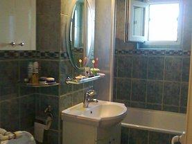 Apartament de vânzare 3 camere, în Mangalia, zona Central