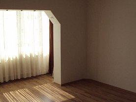 Apartament de vânzare 4 camere, în Zalau, zona Central