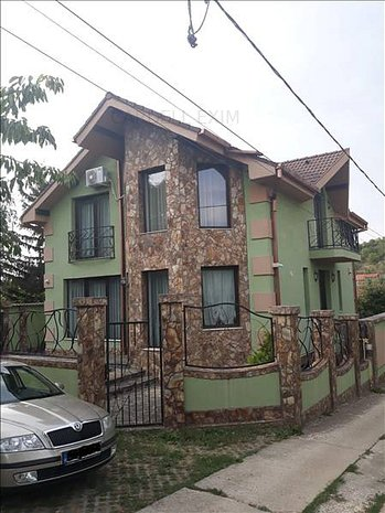 Vila noua in zona Spitalului Judetean - imaginea 1