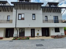 Apartament de vânzare 5 camere, în Otopeni
