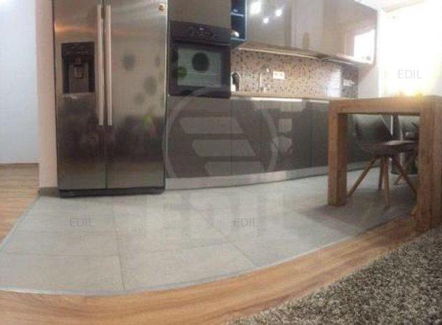 Vanzare Apartament 3 camere semidecomandat, 80 mp, Etajul 2 din 6