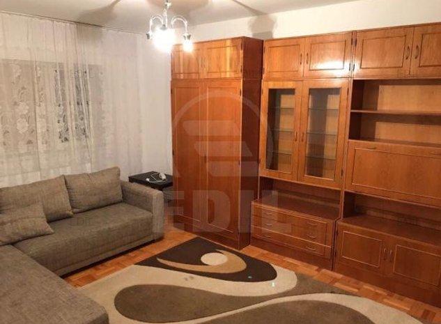 Vanzare Apartament 4 camere decomandat, 80 mp, Etajul 3 din 4