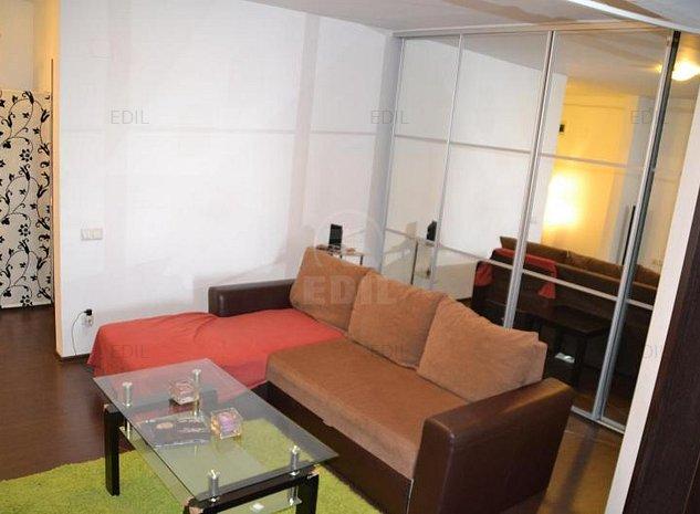Vanzare Apartament 2 camere semidecomandat, 64 mp, Etajul 2 din 6