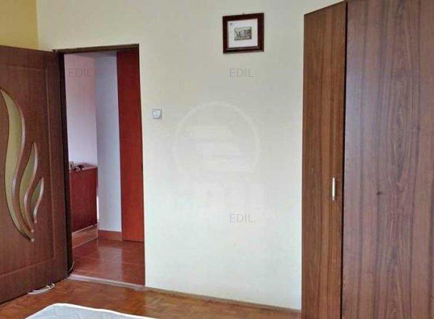 Inchiriere Apartament 2 camere semidecomandat, 54 mp, Etajul 4 din 4