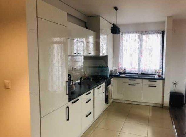 Vanzare Apartament 5 camere decomandat, 114 mp, Etajul parter din 2