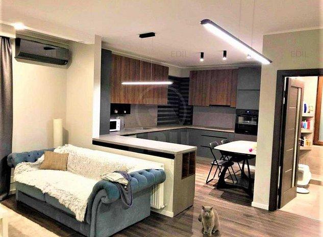 Vanzare Apartament 2 camere semidecomandat, 58 mp, Etajul 3 din 4