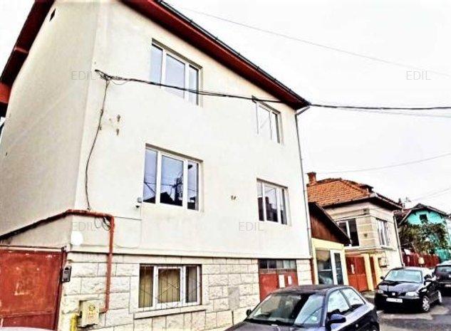 Vanzare Casa 11 camere; 345 mp; 9 bai