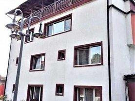 Casa de închiriat 15 camere, în Dezmir