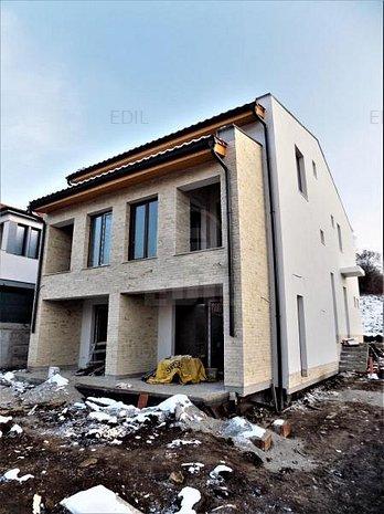 Vanzare Casa 4 camere; 132 mp; 4 bai