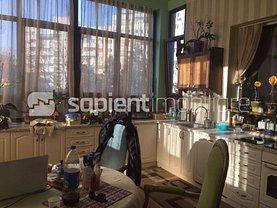 Apartament de vânzare 5 camere, în Oradea, zona Central