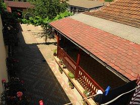 Casa de vânzare 5 camere, în Oradea, zona Iosia