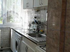 Apartament de vânzare sau de închiriat 3 camere, în Iasi, zona Alexandru cel Bun