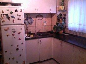 Apartament de vânzare 4 camere, în Oradea, zona Nufarul