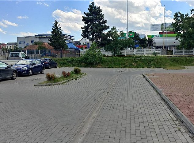 Platforma amenajata cu front la Calea Turzii - imaginea 1
