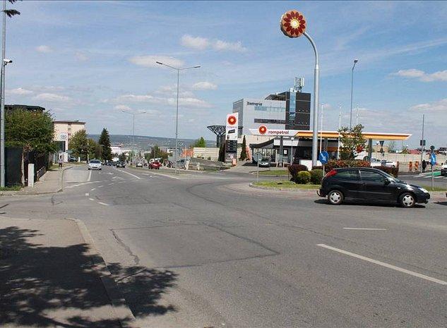 Treren cu vad comercial, Calea Turzii - imaginea 1