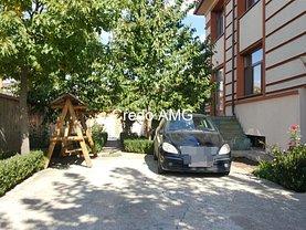 Casa de vânzare 10 camere, în Bucureşti, zona Pipera