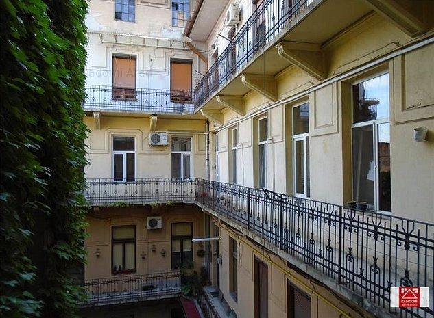 Apartament 3 camere, zona Teatru - imaginea 1
