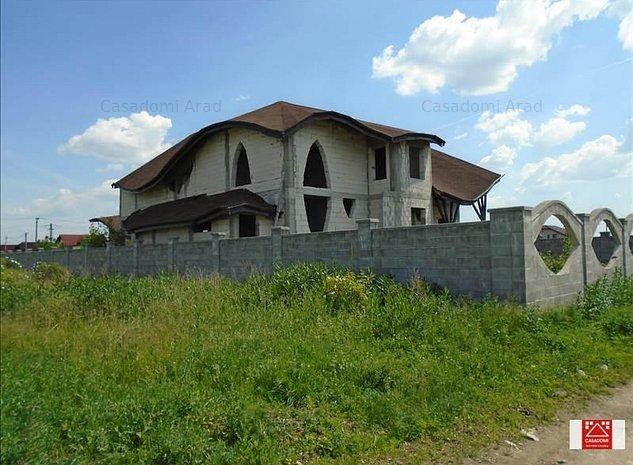 Casa mare la gri, in Vladimirescu - imaginea 1