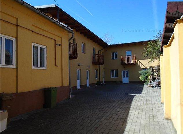 Casa de vânzare 23 camere - imaginea 1