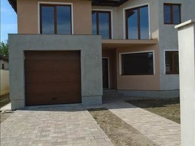 Casa de vânzare 4 camere, în Sanleani