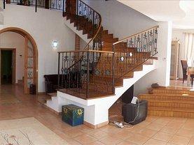 Casa de vânzare sau de închiriat 6 camere, în Corbeanca