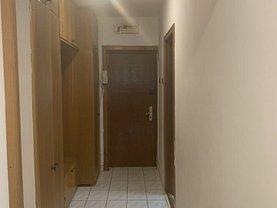 Apartament de vânzare 4 camere, în Constanta, zona Stadion