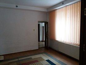 Casa de închiriat 4 camere, în Constanţa, zona Casa de Cultură