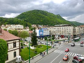 Apartament de închiriat 3 camere, în Brasov, zona Central