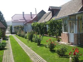 Casa de vânzare 8 camere, în Sânpetru