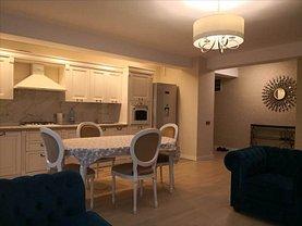 Apartament de închiriat 3 camere, în Constanţa, zona Central