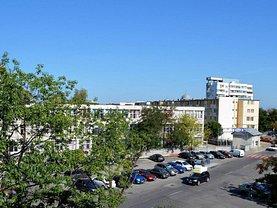 Apartament de vânzare 3 camere, în Piteşti, zona Războieni