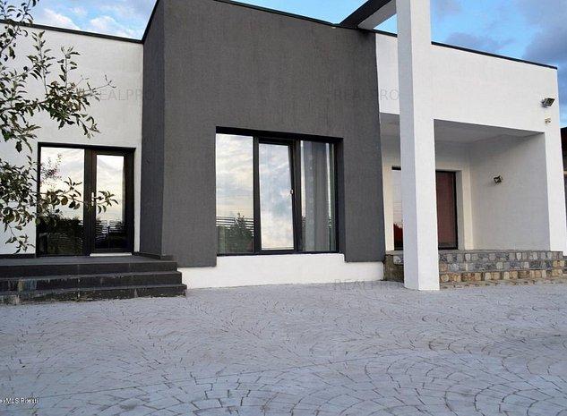 Pitesti - Langa Pensiunea Cora, casa pe un nivel, teren 500 mp - imaginea 1