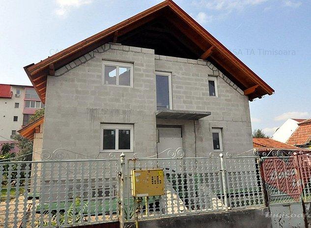Casa la rosu in zona Lipovei - imaginea 1