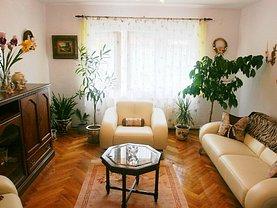 Apartament de vânzare 3 camere, în Sinaia, zona Central