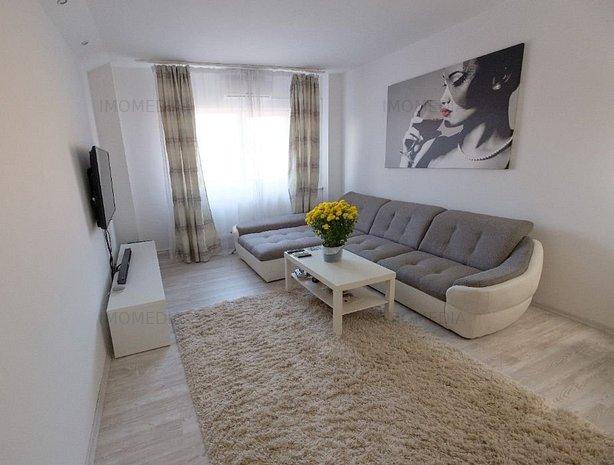 2 camere, decomandat, renovat,mobilat, zona Aradului - imaginea 1