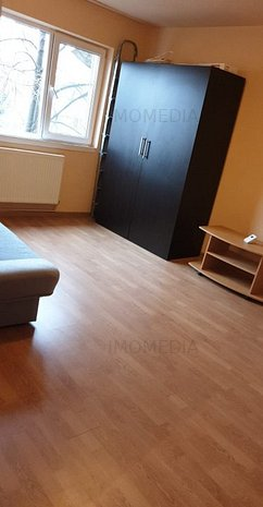 Apartament cu centrala proprie - imaginea 1